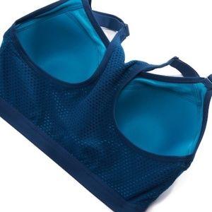 3480aad5a5 Wacoal Intimates   Sleepwear - NWT Wacoal 85322 Zip Front Sport Underwire  Bra